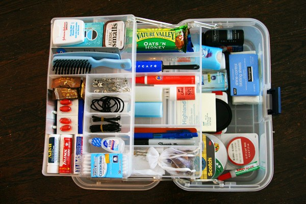 Emergency Kit Must Haves For Wedding Planners