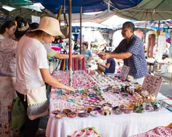 Life of a Jewelry Designer: Selling at Markets