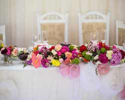 Cut Costs with DIY Centerpieces